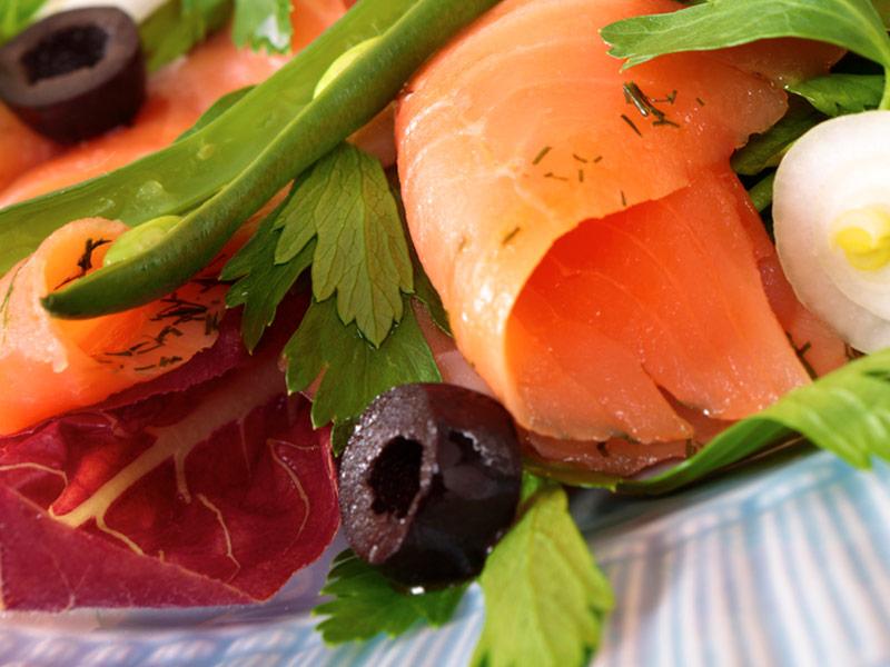 青檸燻鮭佐洋蔥